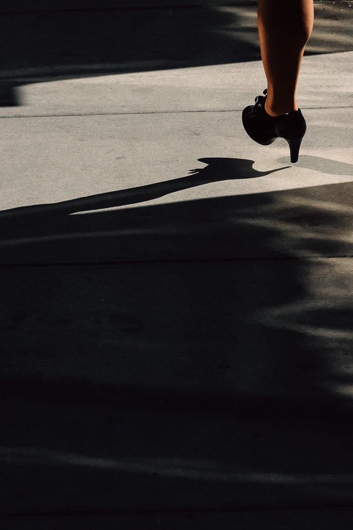 jesse willems photography girl walks